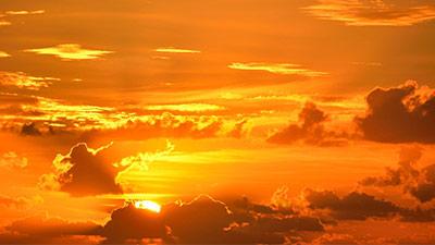betekenis van spreekwoord uitgebeeld achter de wolken schijnt de zon